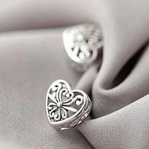 .925 sterling silver heart earrings studs